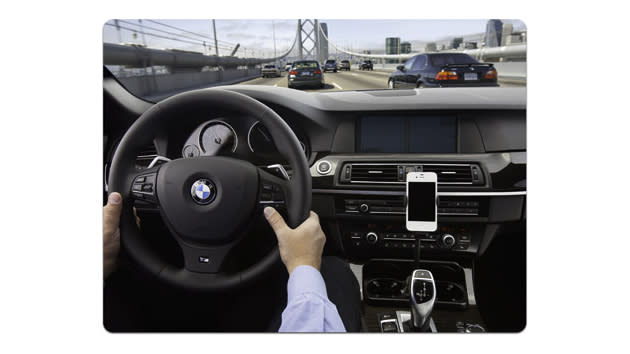 Apple's Siri moves to your steering wheel to stave off distracted driving crusaders