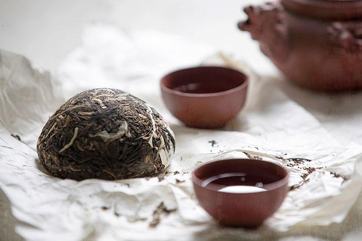 The traditional Chinese tea ceremony allows better appreciation of the season's mooncakes