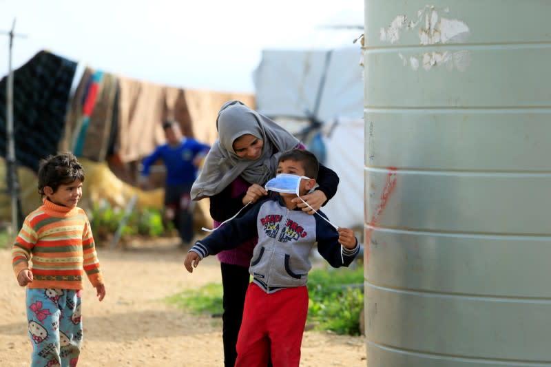 Without soap or sanitizer, Syrian refugees face coronavirus threat