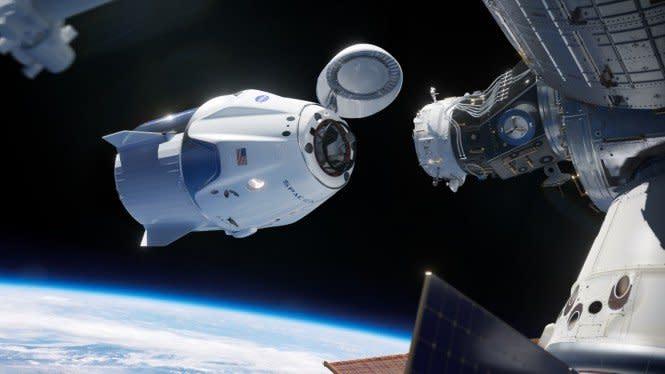 2 Astronot Crew Dragon akan Pamit dari Luar Angkasa