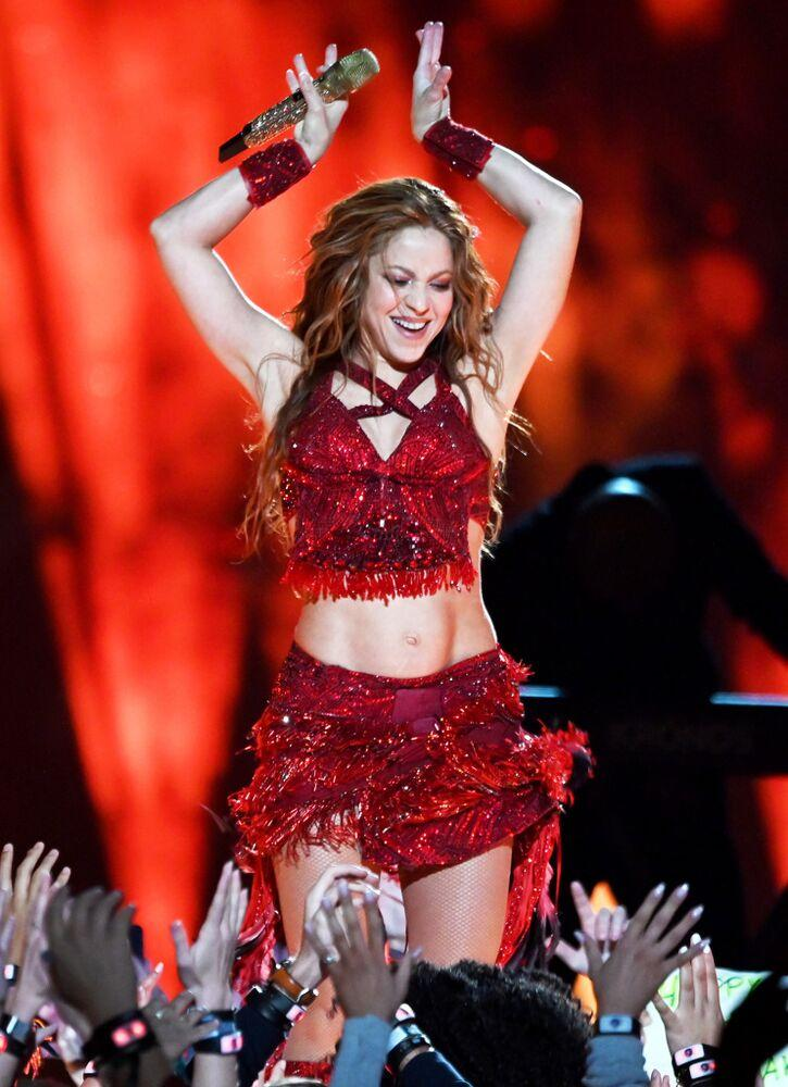 Shakira performing at the 2020 Super Bowl halftime show | Kevin Mazur/WireImage