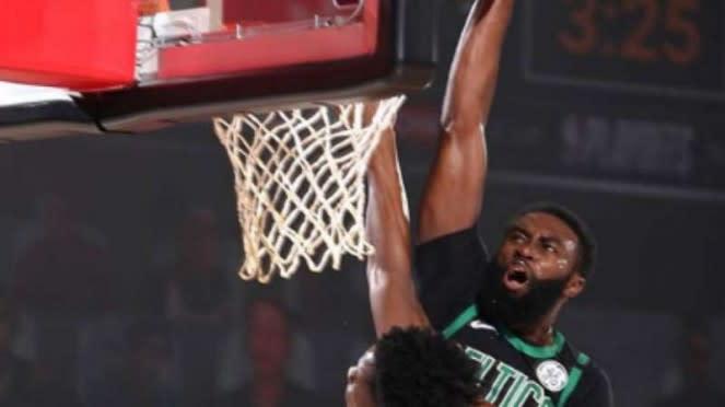Pemain Boston Celtics, Jaylen Brown.