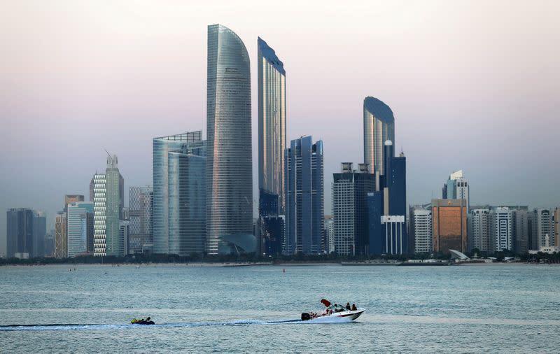 Abu Dhabi perpanjang larangan masuk dan keluar dari emirat dan antar kota