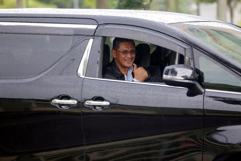 Maslin Sham Razman leaves the Perak MACC office in Ipoh December 6, 2018. — Picture by Farhan Najib