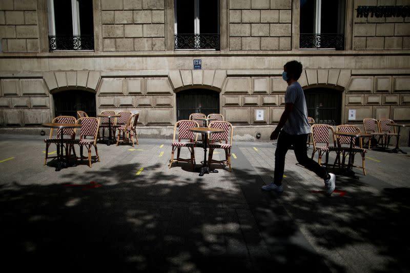 FILE PHOTO: Coronavirus disease (COVID-19) outbreak in Paris