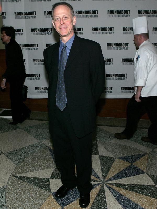 Aktor Mark Blum saat menghadiri Roundabout Theatre 2005 Spring Gala di Chelsea Piers, New York City, Amerika Serikat, 11 April 2005. Madonna, yang tampil dalam Desperately Seeking Susan yang dibintangi Mark Blum, juga menyampaikan kabar meninggalnya sang aktor. (Photo by Paul Hawthorne/Getty Images)