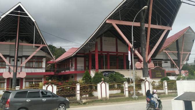 Anggota Dewan Terkonfirmasi Covid-19, Sekretariat DPRD Mamasa Rapid Test Massal