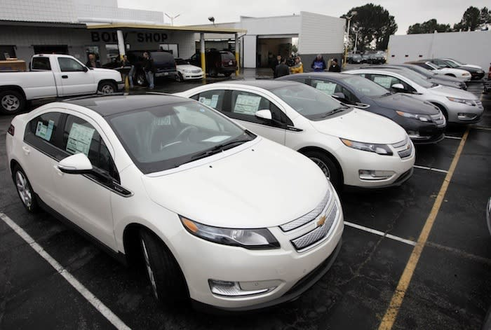 Chevy offers first discounted Volts, doubles number for sale