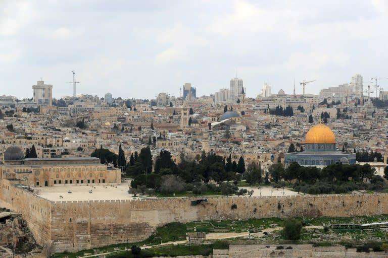 Jerusalem Al-Aqsa mosque compound to close over virus