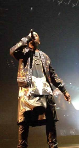 October 31 – November 6: Kanye West Catches Flack For Wearing Skirt