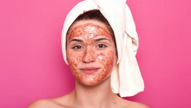 Ilustrasi Penggunaan Masker Tomat Credit: pexels.com/pixabay
