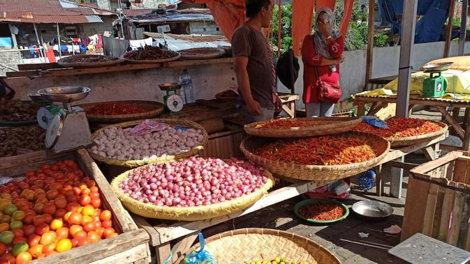 Pasar Pinasungkulan Manado Tetap Ramai Meski Jadi Klaster Penyebaran Covid-19