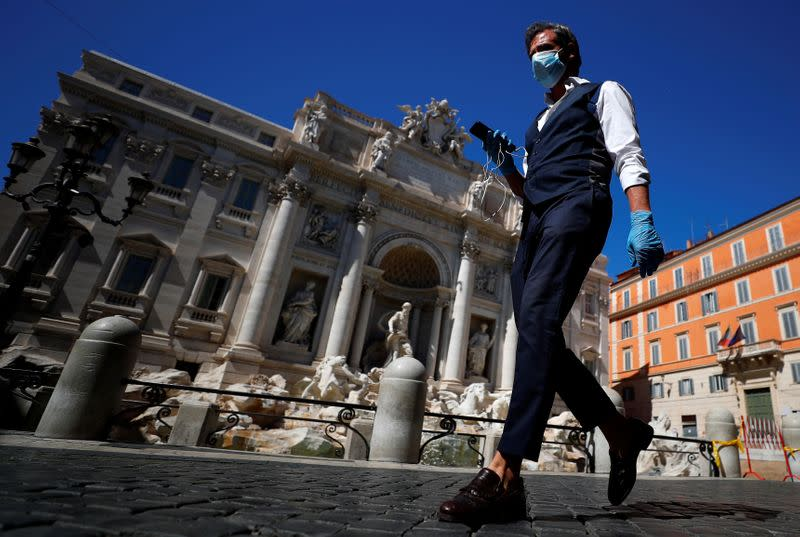 Italy's daily coronavirus death toll and new cases fall