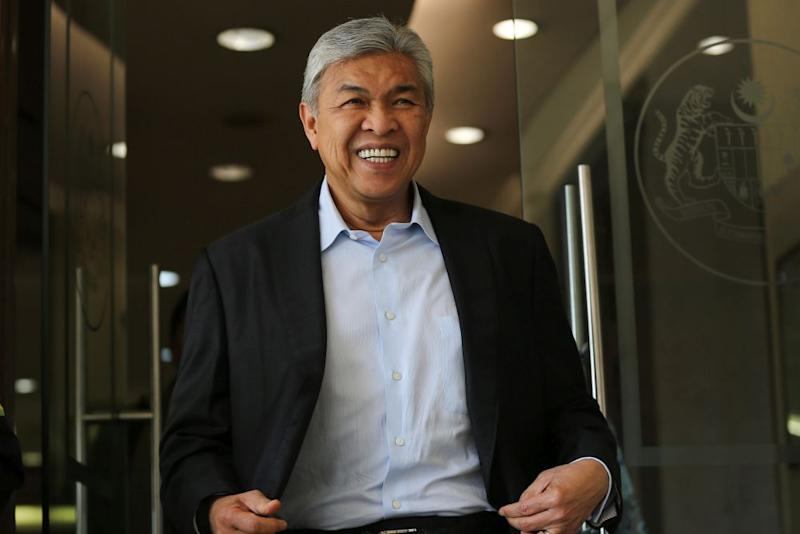 Datuk Seri Ahmad Zahid Hamidi congratulated MPs from Umno, MCA, MIC and PAS who had been appointed to head GLCs and other institutions that are owned or linked to the government. ― Picture by Yusof Mat Isa