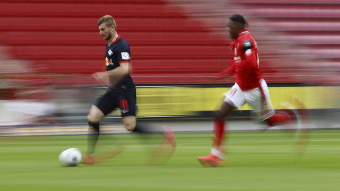 Sebut saja Liverpool, Chelsea hingga Manchester United pun bersaing untuk mendapatkan jasanya. (AP/Kai Pfaffenbach)