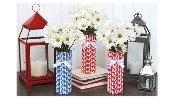 Ilustrasi vas bunga dari sedotan (sumber: wholesalepartysupplies)