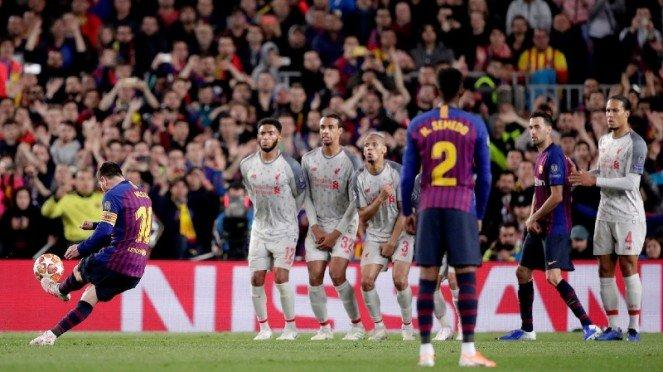 Eksekusi sepakan bebas Lionel Messi yang bikin Liverpool mati kutu