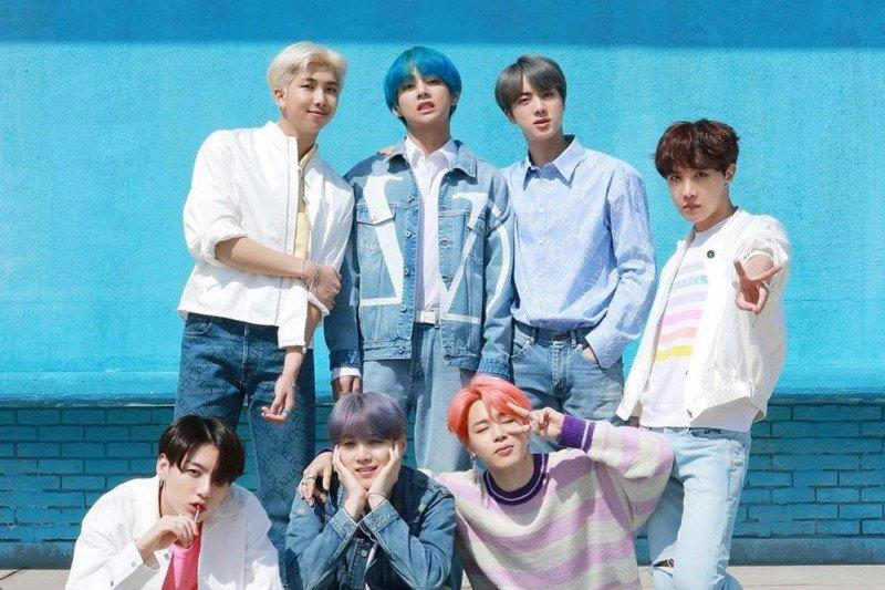 Lima anggota BTS ambil program pascasarjana