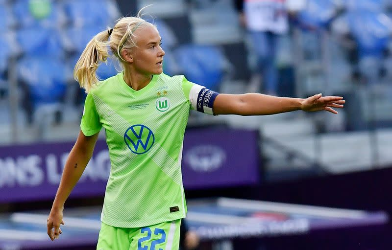 Striker Harder signs for WSL champions Chelsea