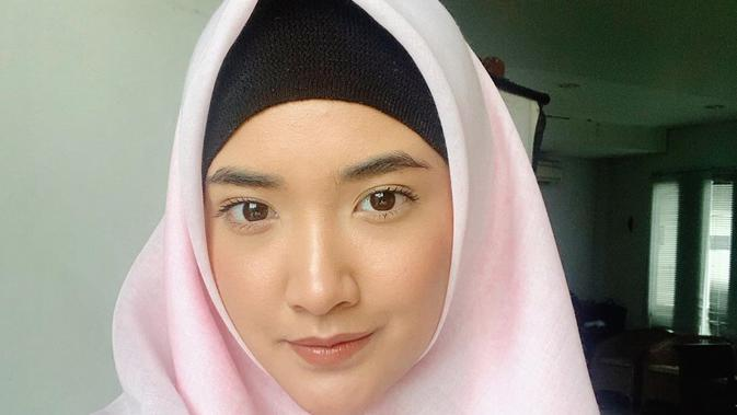 Pesona Nadya Arina. (Sumber: Instagram.com/nadyaarina)
