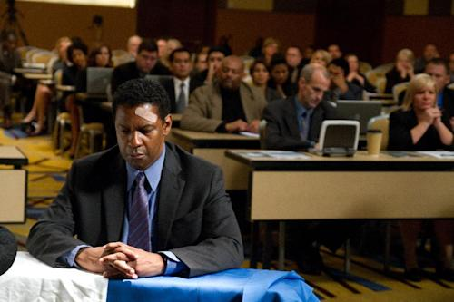"""This film image released by Paramount Pictures shows Denzel Washington portraying Whip Whitaker in a scene from """"Flight."""" (AP Photo/Paramount Pictures, Robert Zuckerman)"""