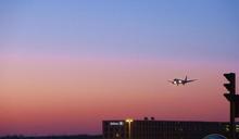 三級警戒延長至628!旅行社公告取消出團可退費或改期
