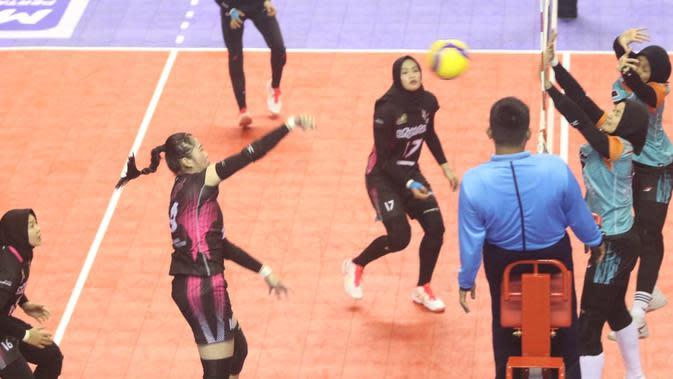 Duel antara sesama tim Jakarta yaitu Jakarta Pertamina Energi melawan BNI 46 pada laga Sabtu (8/2/2020) (istimewa)