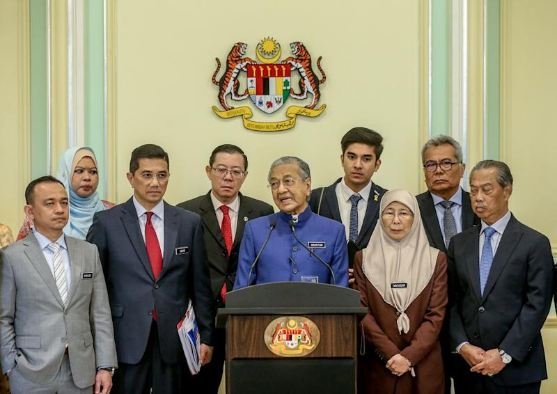 Prime Minister Tun Dr Mahathir Mohamad and Cabinet minsters hold a press conference in Putrajaya September 14, 2019. — Picture by Firdaus Latif