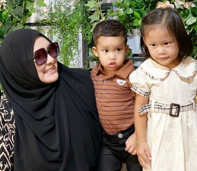 Abby managed the raise the RM10,000 for a new mother who could not afford to settle her hospital bill. ― Picture via Facebook/Real Abby Abadi