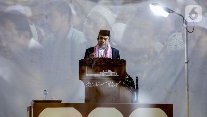 Menteri Agama Fachrul Razi saat memberikan ceramah dalam salat Jumat di Masjid Istiqlal, Jakarta, Jumat (1/11/2019). Menag Fachrul Razi memberikan ceramah dengan tema persatuan 'Merajut Persatuan dan Kesatuan'. (Liputan6.com/ Faizal Fanani)