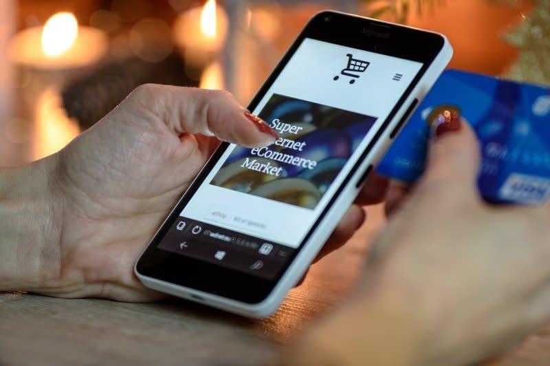 OTP lewat SMS dinilai lebih aman dari pesan instan