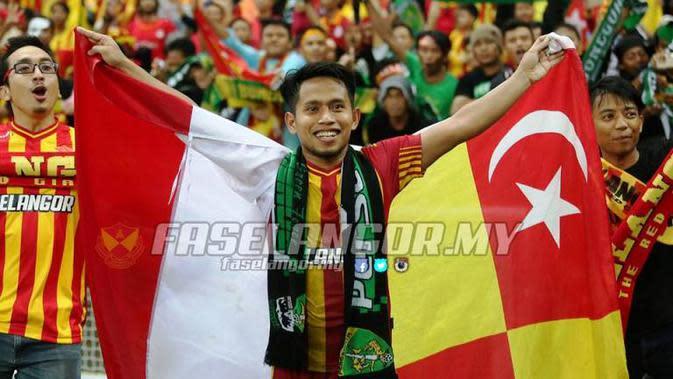 Gelar Piala Malaysia yang diraih klub Andik Vermansah, Selangor FA, dikabarkan akan dicabut menyusul dugaan penggunaan pemain tak sah di laga final. (Facebook Selangor FA)