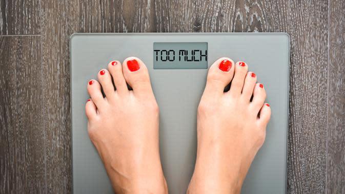 Penelitian menyebutkan bahwa orang modern sulit menurunkan berat badan. Kira-kira apa penyebabnya? (foto: shutterstock)
