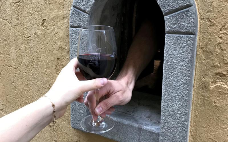 A wine window at Babae in Via Santo Spirito, Florence - Wine Windows Association (Buchette Del Vino)