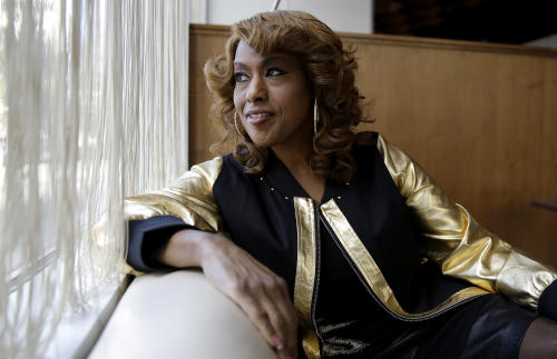 "This Jan. 15, 2014 photo shows actress and singer Jennifer Holliday during an interview in Atlanta. Holliday, best known for her Tony-winning performance as Effie in the original Broadway production of ""Dreamgirls"" and the iconic rendition of ""And I Am Telling You I'm Not Going,""released her first solo album in two decades. (AP Photo/John Bazemore)"