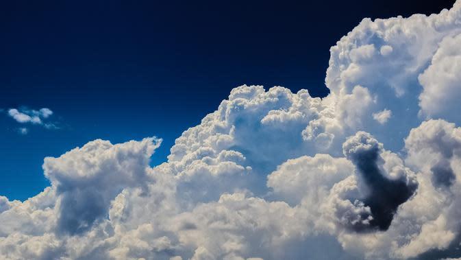 Ilustrasi awan. (Gambar oleh Dimitris Vetsikas dari Pixabay)