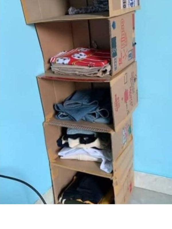 5 Potret Lemari Anak Kos Ini Nyeleneh, Bikin Tepuk Jidat (sumber: 1cak.com)