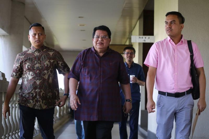 Former Federal Territories minister Datuk Seri Tengku Adnan Tengku Mansor arrives at the Kuala Lumpur Court Complex January 17, 2020. — Picture by Yusof Mat Isa