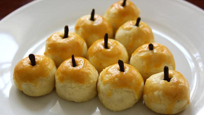 Nastar menjadi salah satu kue kering yang hampir ada di meja tamu saat Lebaran. Rasanya yang gurih dan teksturnya yang lembut membuat nastar menjadi kue yang paling digemari saat Lebaran. (Istimewa)