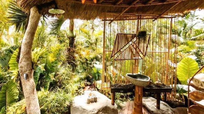Kamar mandi Hideout Horizon Bali Karya Studio WNA. (dok. Arsitag.com)