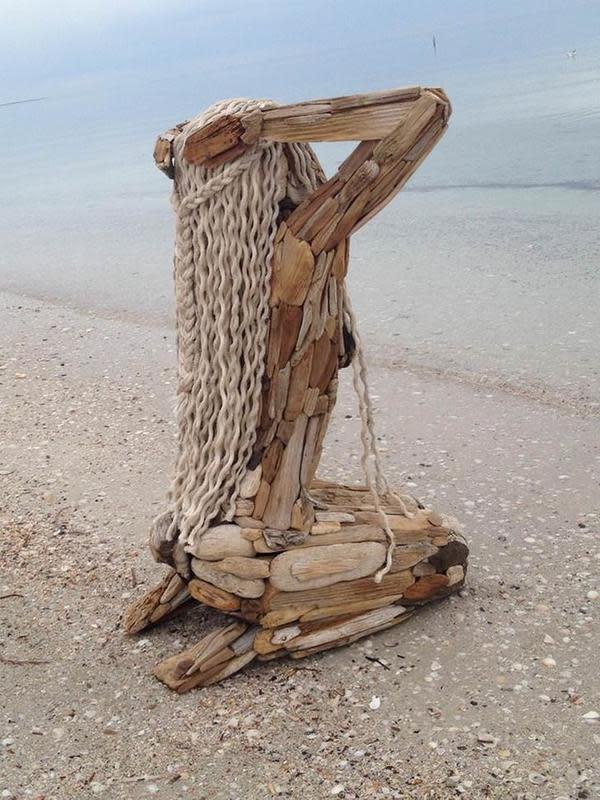 Potret Karya Patung Kayu. (Sumber: Brightside)