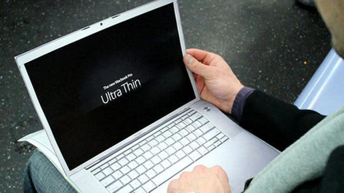 Melihat Laptop yang Sangat Powerfull