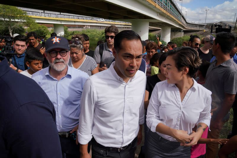 FILE PHOTO: Democratic presidential candidate Former HUD Secretary Julian Castro visits migrants in Matamoros