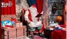 芬蘭耶誕老人出發送禮! 泰國耶誕大象戴口罩