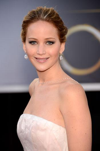 Jennifer Lawrence at the Oscars: Beautiful but bleepin' famished!