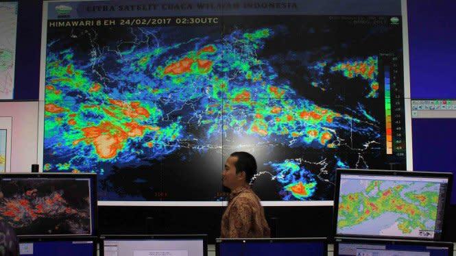 Banten dan Jawa Barat Diingatkan Hujan Lebat dan Angin Kencang