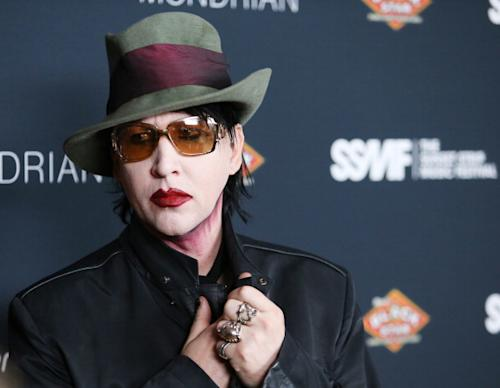 Shock Rocker Marilyn Manson Gives Audience Real Shock–Collapses On Stage