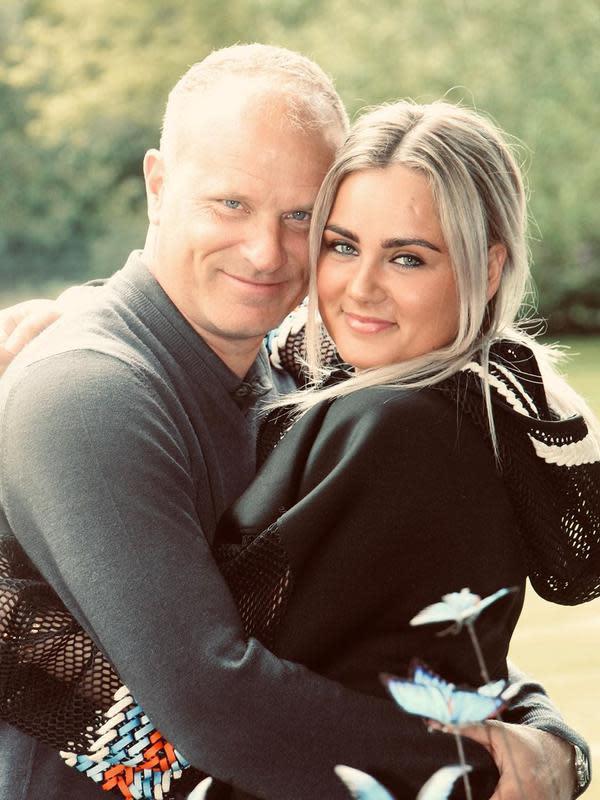 Dennis Bergkamp dan putrinya, Estelle Bergkamp. (foto: instagram.com/estellebergkamp)