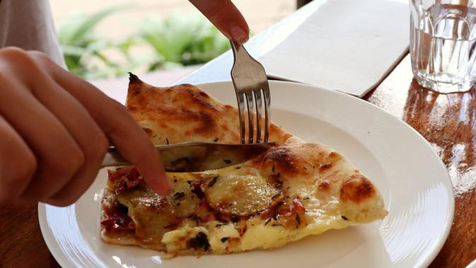 Cara Membuat Pizza Kentang yang Simpel