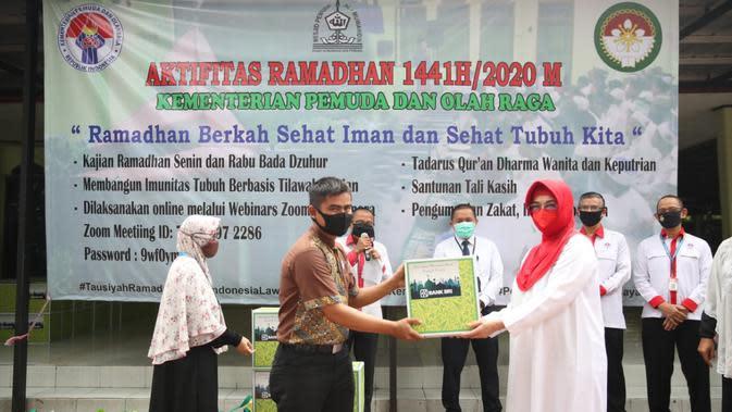Ramadan Penuh Berkah, Kemenpora Beri Santunan 450 Tali Kasih kepada Pegawai yang Membutuhkan